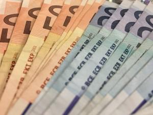 sueldo abogados europeos