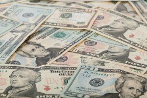 sueldos de gerentes legales