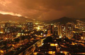 cuánto cobran los abogados en Colombia